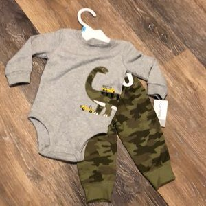 Infant Carters outfit. Size 6 months